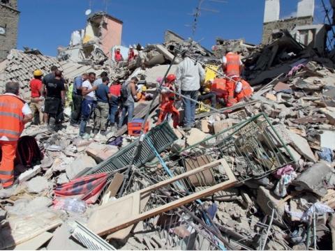 Rettungseinsatz nach Erdbeben