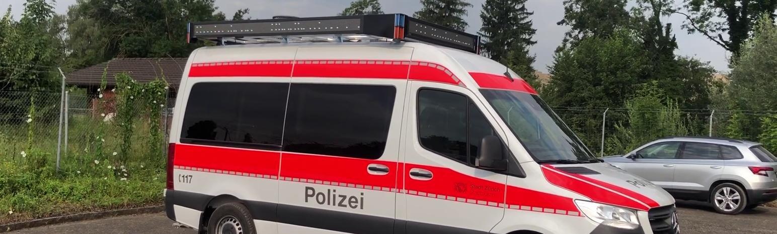 LauKW der Polizei Zürich mit AD-360-16