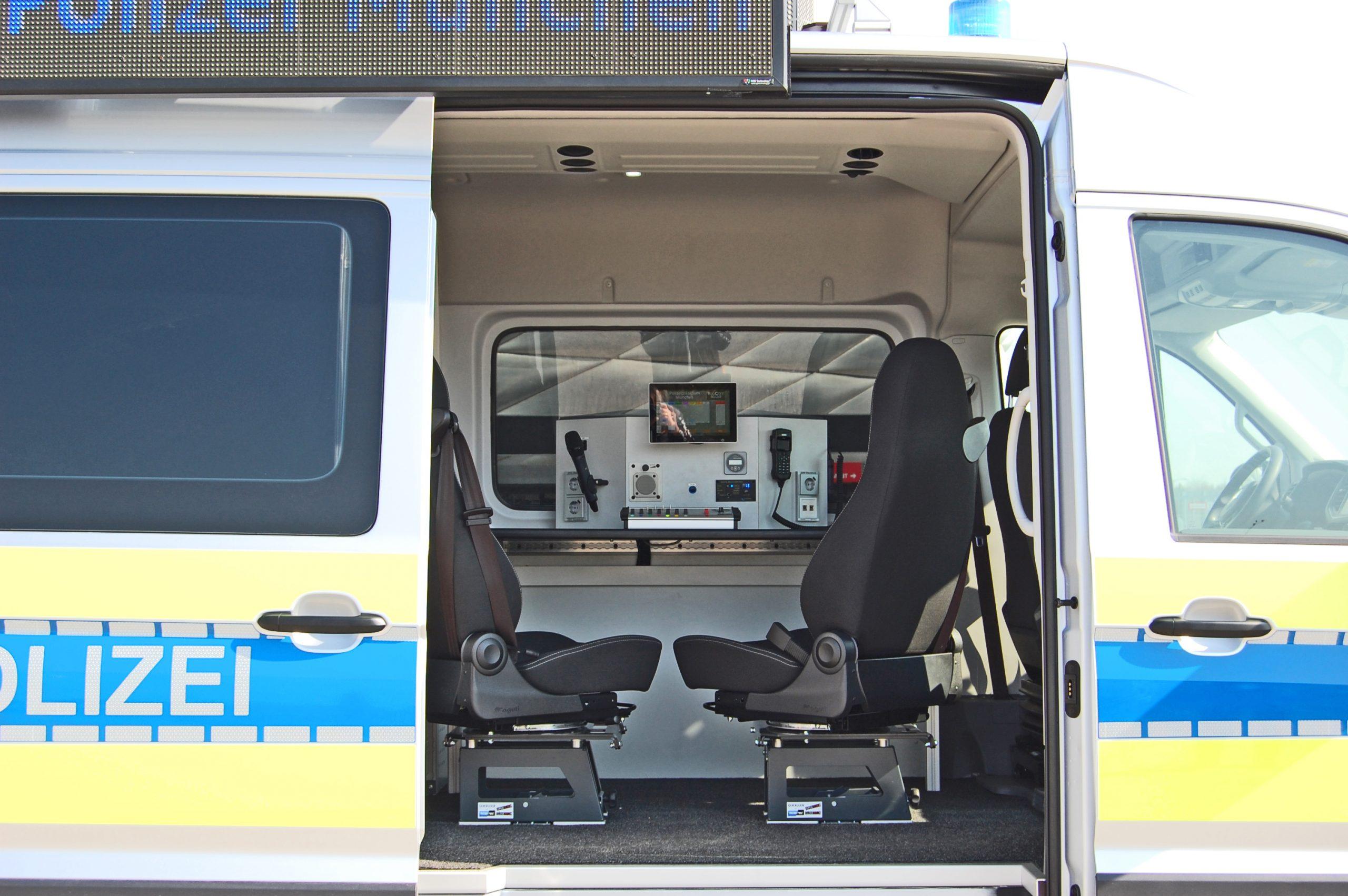 360°-Lautsprecher AD-360-16 auf LAUKW Lautsprecherkraftwagen der Polizei München